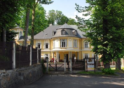 Knezice_chateau for sale_front